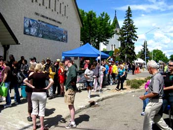 2010-June-rummage-sale-street-party